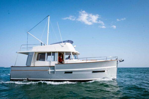 Trawler 34 Exterior